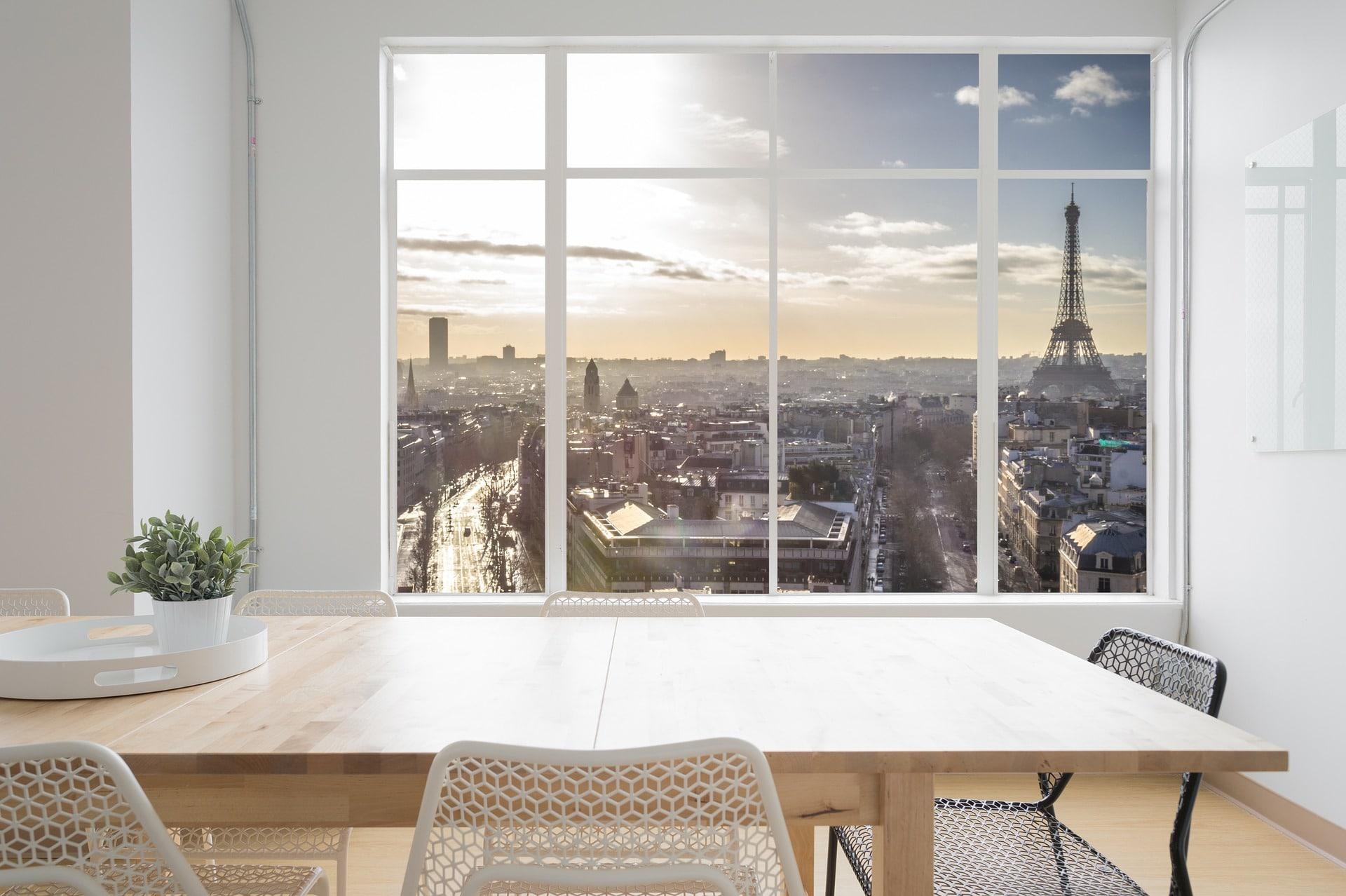 Investir dans un studio à Paris : un bon choix pour les expatriés ?